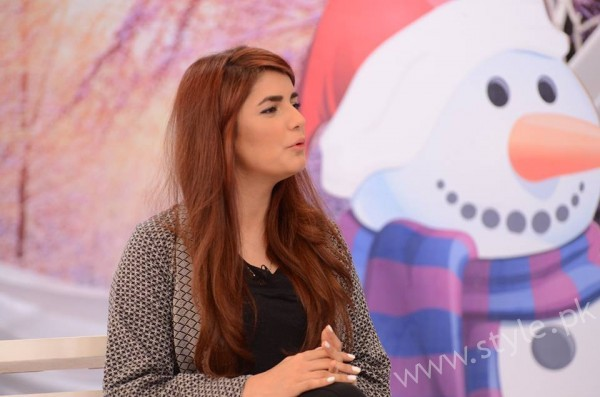 Momina Mustehsan Good Morning Pakistan Show Pictures (15)