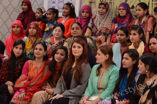 Momina Mustehsan Good Morning Pakistan Show Pictures (8)