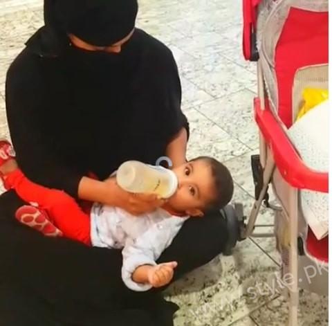 Veena Malik Dubai Mall in Abaya (8)
