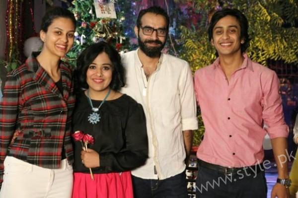 Yasra Rizvi's Engagement Pictures (10)