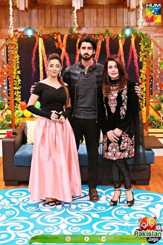 Agha Ali and Sanam Chaudhry in Jago Pakistan Jago (19)