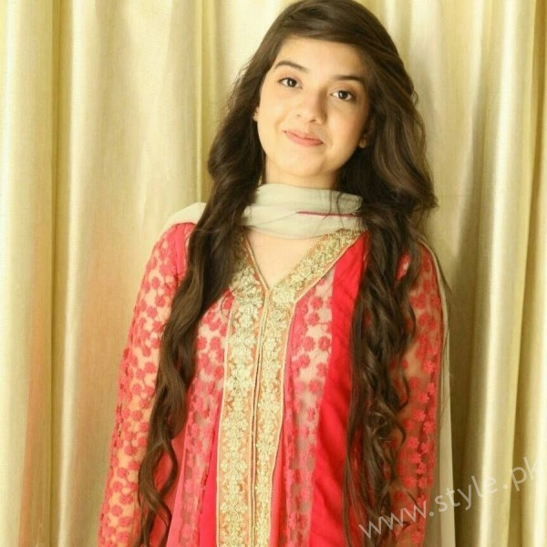 See Arisha Razi's Profile, Pictures, Dramas and Movies