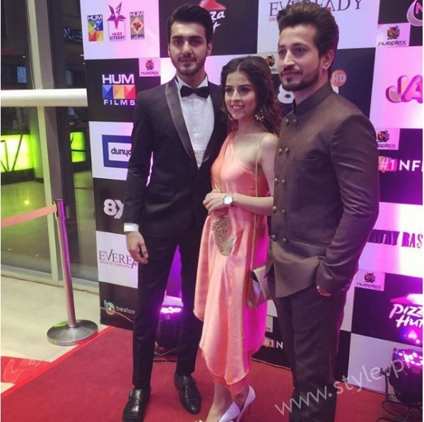 Celebrities at Premiere of Thora Jee Le (6)