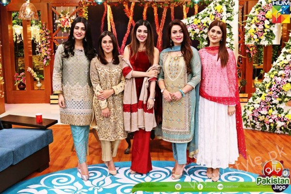 Kubra Khan, Sarah Khan, Iqra Aziz and Sonya Hussain at 12 Anniversary of HUM TV (23)