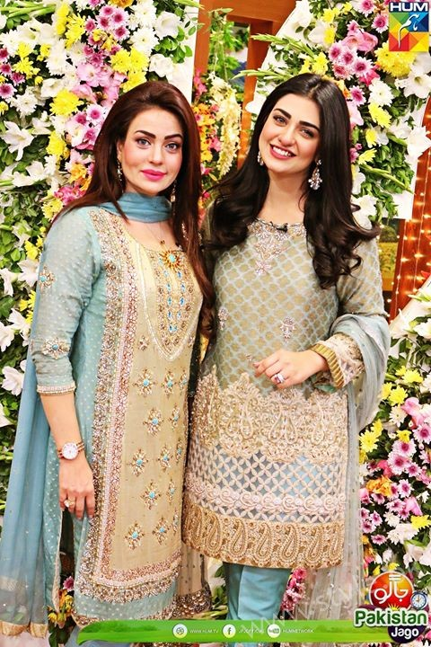 Kubra Khan, Sarah Khan, Iqra Aziz and Sonya Hussain at 12 Anniversary of HUM TV (28)