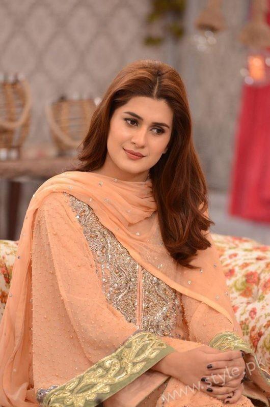 Kubra khan in Nida Yasir Show (3)