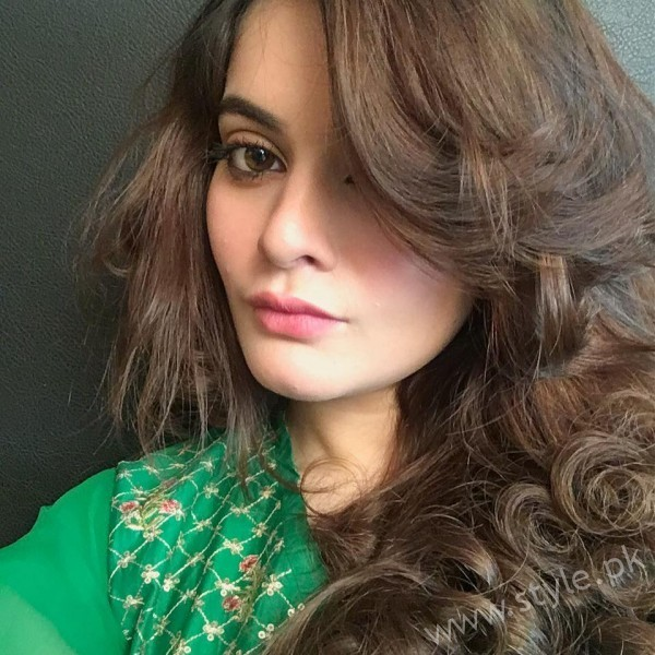 Minal Khan's Profile, Pictures and Dramas (6)