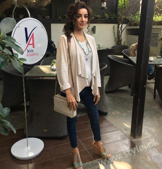 Mommy to be Sarwat Gillani gives Major Style Goals (3)