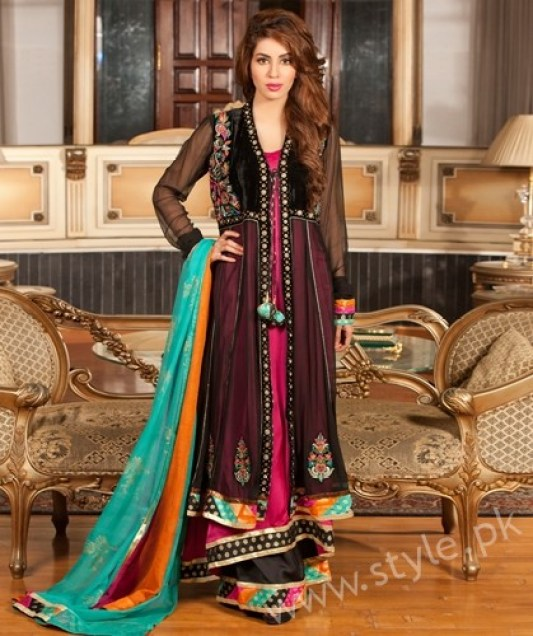 New gown style dresses in Pakistan (2)