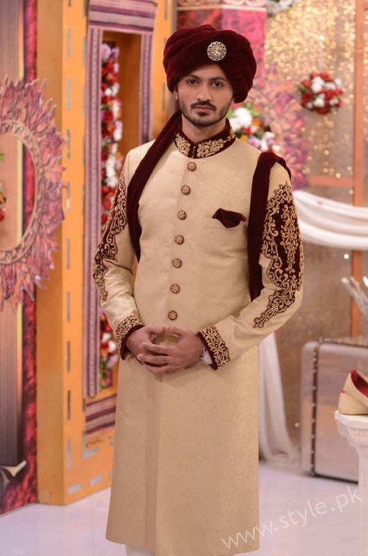 Pakistani Bride's and Groom's Fashion Trends (17)