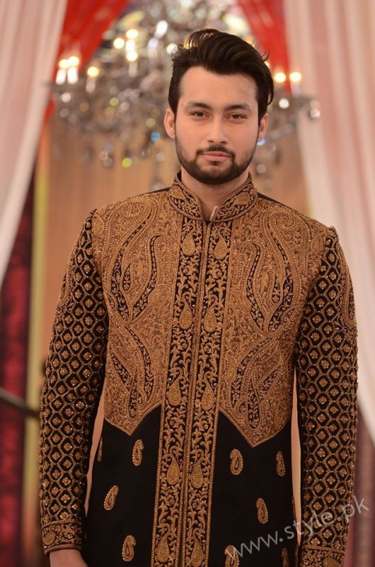 Pakistani Bride's and Groom's Fashion Trends (8)