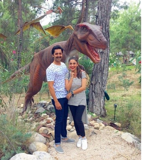 See Ayeza Khan and Danish Taimoor having fun in Turkey