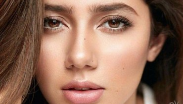 See Mahira Khan's flawless looks and beauty secrets