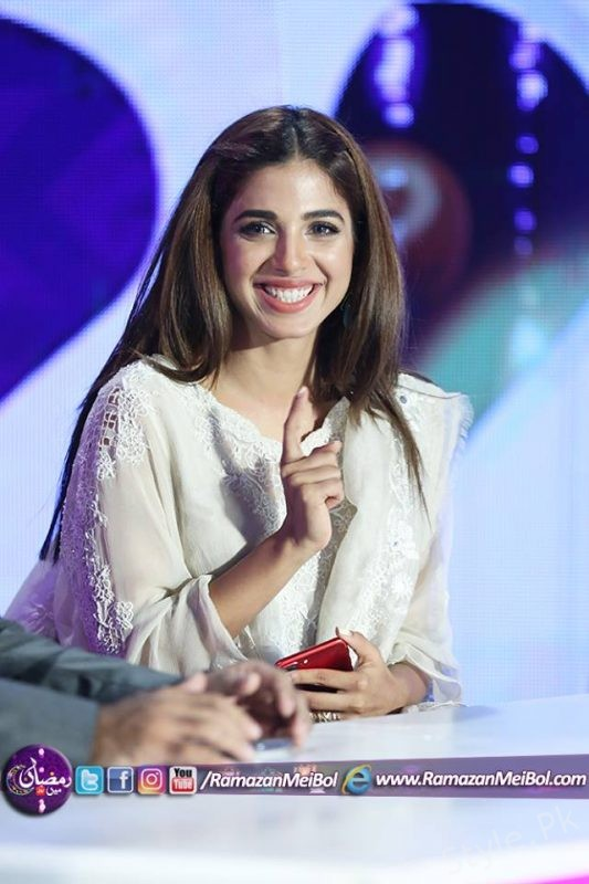 Recent Clicks Of Sonya Hussyn At Aamir Liaqat Show