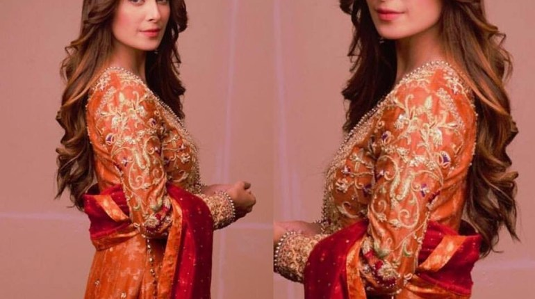 See Ayeza Khan's latest beautiful clicks in Sana Abbas