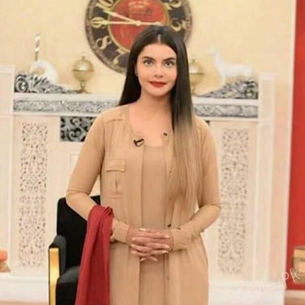 Nida Yasirs New Lookpakistani Host Nida Yasir Famous