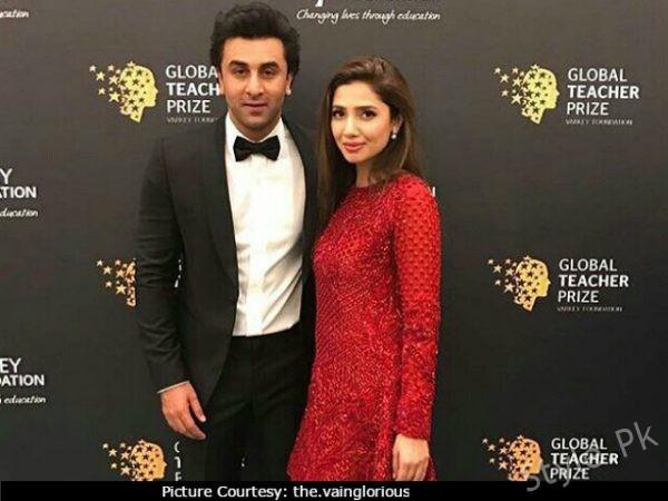 See Indian Media Claimed that Mahira Khan and Ranbir Kapoor are dating