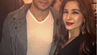 See Ayesha Omar Spotted with Sidharth Malhotra