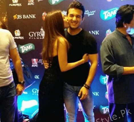 See Syra Shehroz and Shehroz Sabzwari Husband Wife Moments