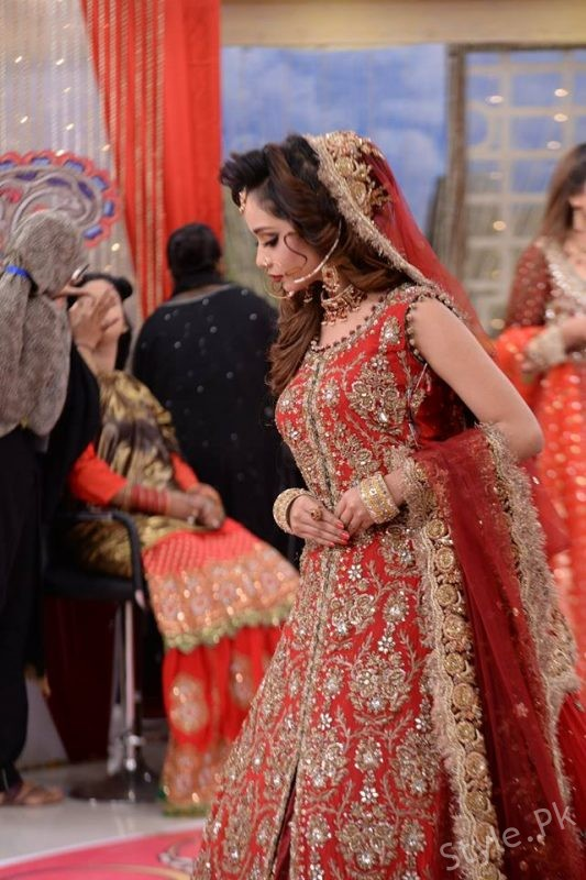 Latest Pakistani Bridal Dresses And Bridal Makeup