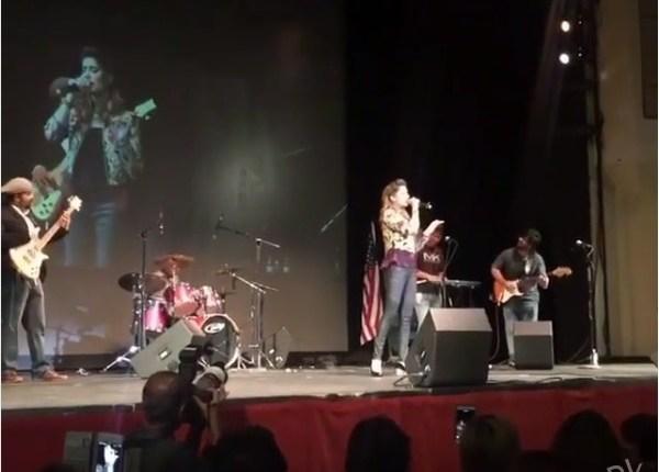 See Highlights of Mehwish Hayat's Concert in New YorkHighlights of Mehwish Hayat's Concert in New York