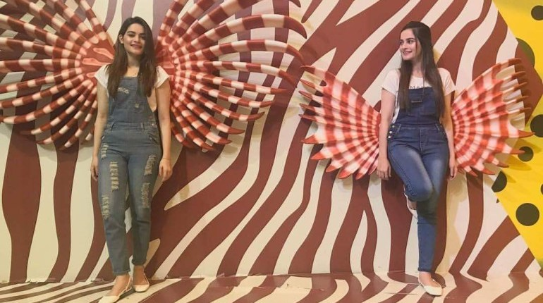 Latest pictures of twin sisters