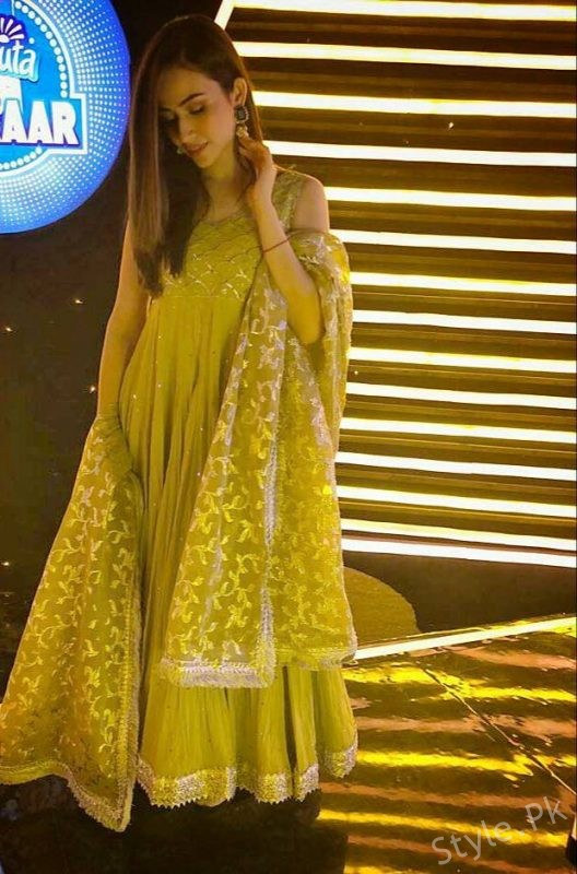 Gorgeous Sana Javed Spotted At Recent Event