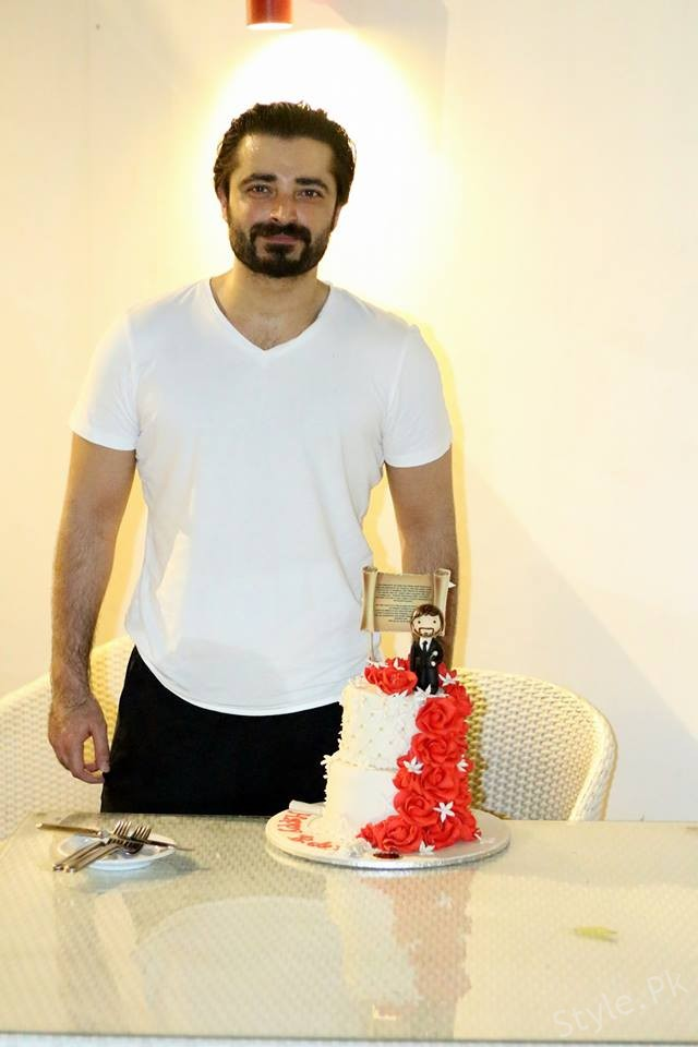 See Hamza Ali Abbasi Celebrated his Birthday at Bol Network's Office