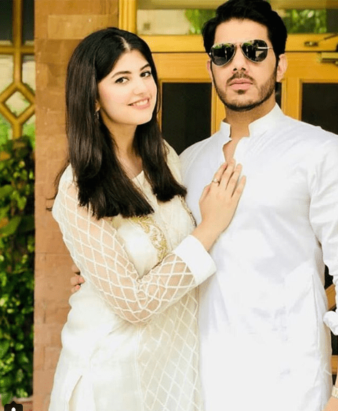 See Beautiful Pictures of Gohar Mumtaz and Anum Ahmed on Eid