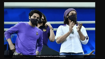 King Khan supports team from stands in Dubai at IPL game
