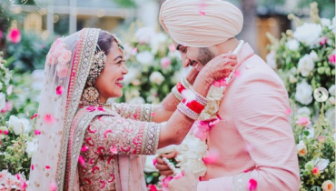 Singer Neha Kakkar Shares Mesmerising Wedding Pictures