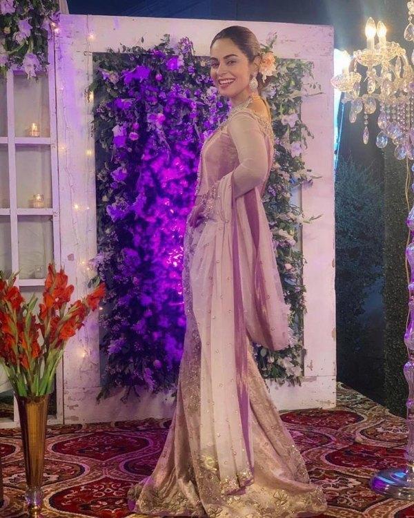 Actress Amar Khan Latest Beautiful Clicks From A Recent Wedding