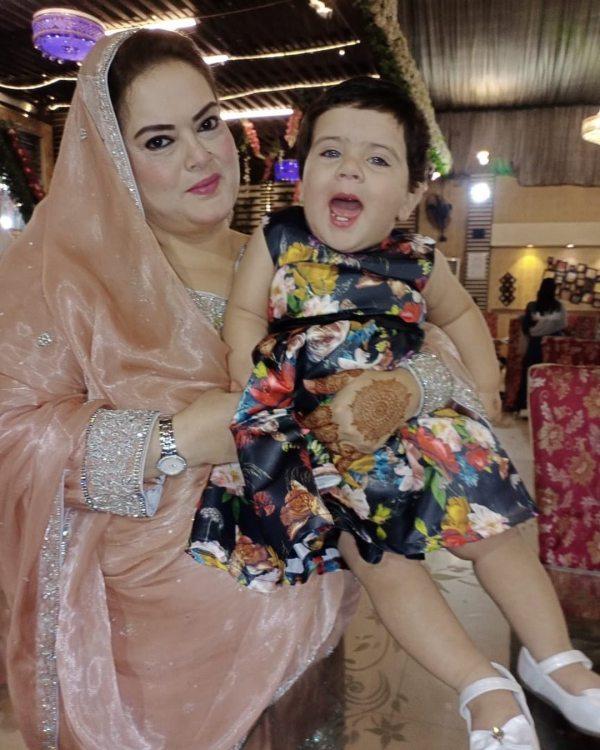 aiman khan daughter eid pics,