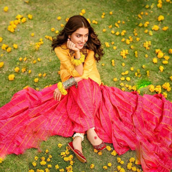 Ayeza Khan Latest Casual Dresses PhotoShoot