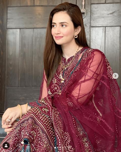Sana Javed Glams Up For Post-Wedding Photoshoot