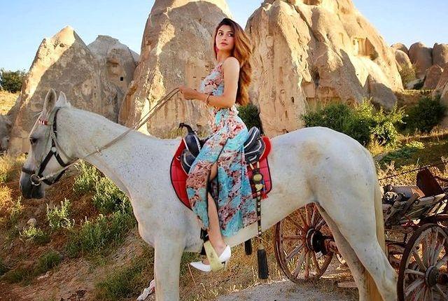 UnseUnseen Sizzling Pictures Of Zoya Nasiren Bold Pictures Of Zoya Nasir