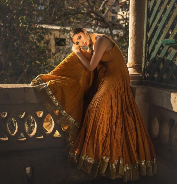 Mahira Khan Shinning in Recent Photo Shoot for Umnar Sayeed