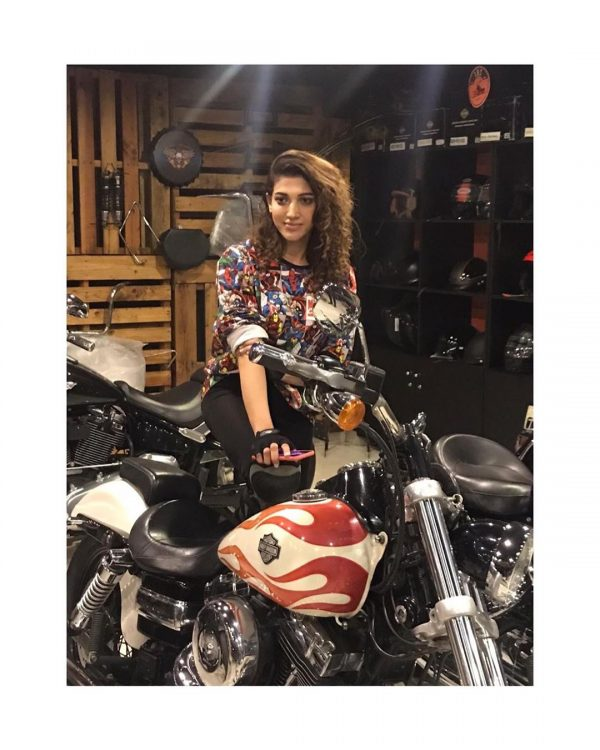 Sana Fakhar Enjoying Vacation In Dubai With Family