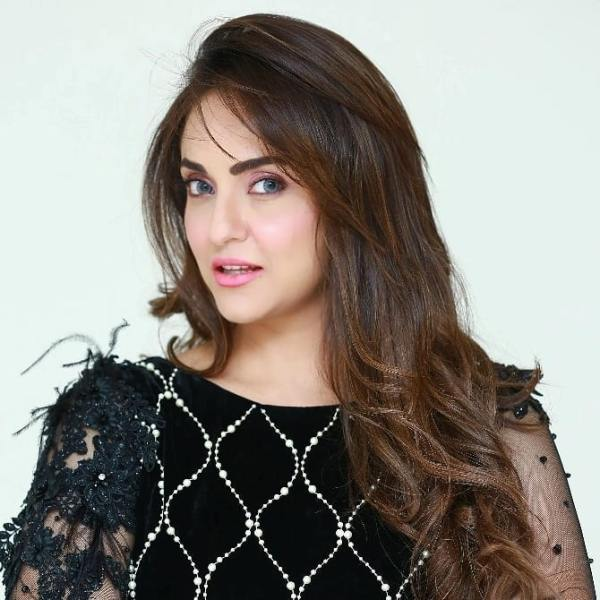 Actress Nadia Khan Reportedly Got Engaged