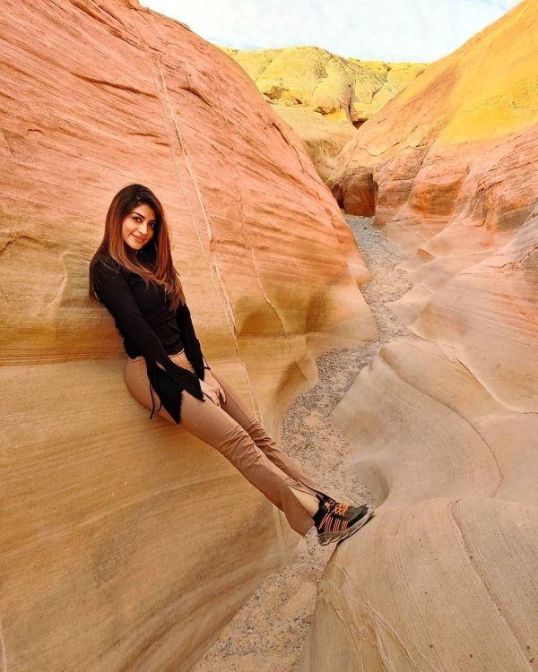 Actress Zoya Nasir Bold Clicks from her Trip to USA