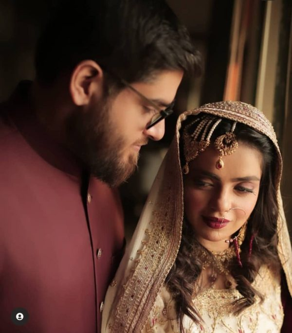 Srha Asghar Romantic Honeymoon Pictures
