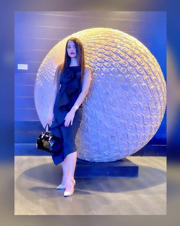 Beautiful Saniya Shamshad Hot Photoshoot