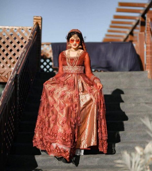 Sara Elahi Surprises Fans With Stunning Wedding Clicks