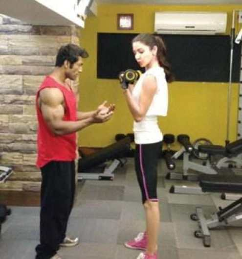 Anushka Sharma Is Maintaining Her Fitness See Photo