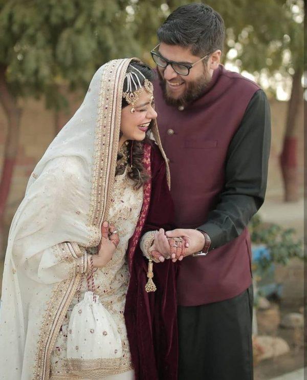 Netizens Bash Srha Asghar's Husband For Being Overweight