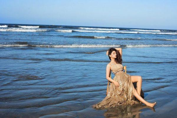 Saba Qamar Bold and Hot PhotoShoot At Beech