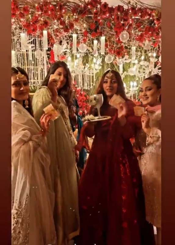 Actress Sanam Chaudhry looks Dead Gorgeous in Red Lehnga