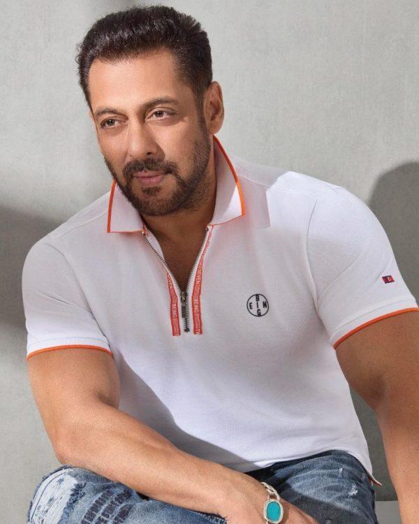 Maulana Tariq Jamil Is All Praised Bollywood Actor Salman Khan
