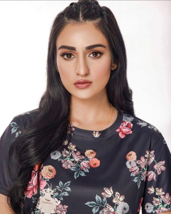 Sarah Khan Looks Super Gorgeous In Latest Shoot