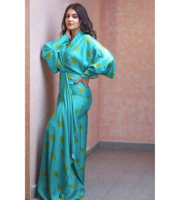 Zara Noor Abbas Recent Photo Is Bringing In A Lot Of Criticism
